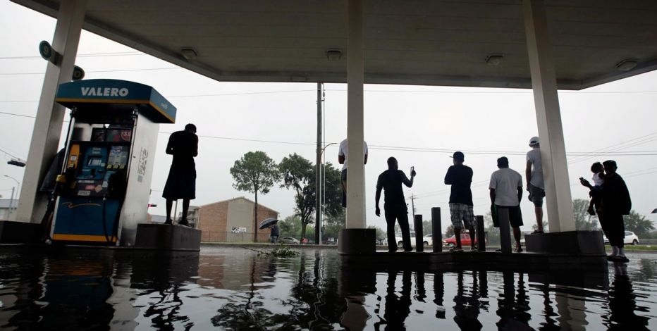 Super soaker Harvey pumps gas prices